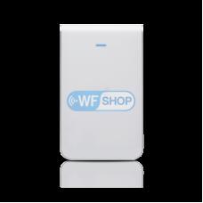 Точка доступа Ubiquiti UniFi IW HD, 2,4ГГц, 5ГГц настенного исполнения с розеткой RJ45 и PoE
